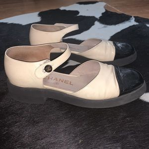 Vintage Chanel Cap Toe Mary Jane Two Tone Flats